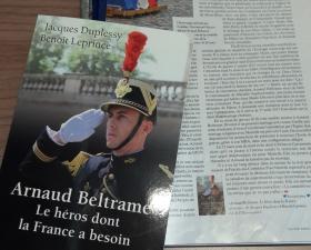 « Arnaud Beltrame : Le héros dont la France a besoin » dans Paris Match